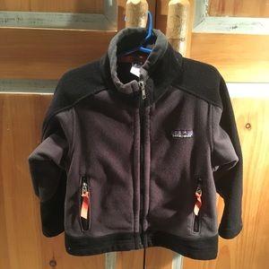 Patagonia zip up fleece coat, XXS ( 3 - 4 yr old)